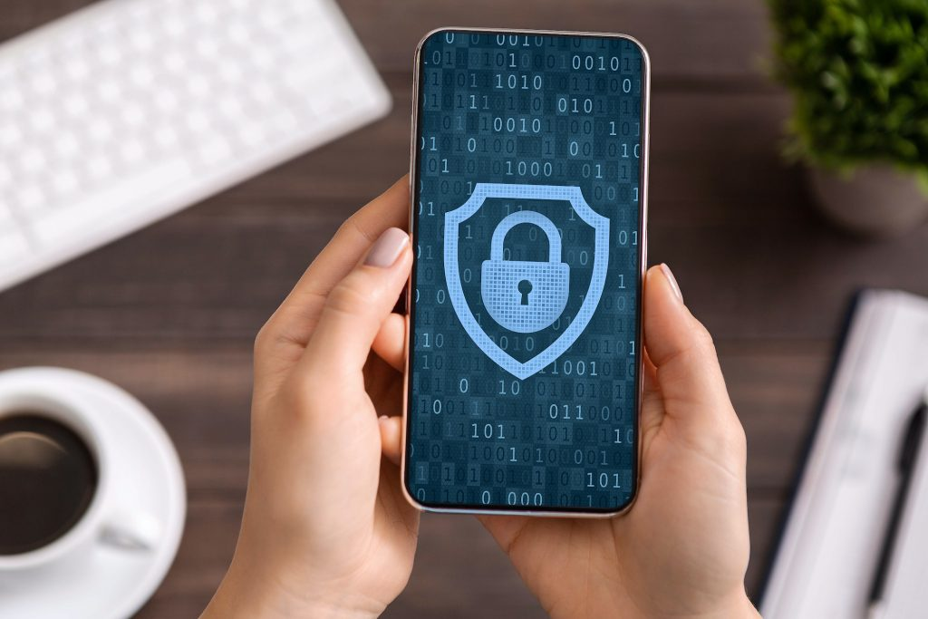 4 Important Warnings from Verizon's 2021 Report on Mobile Security